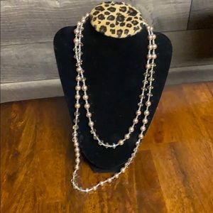 Jewelry - String of pink pearls and chrystals